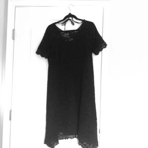 A Pea in the Pod black lace maternity dress